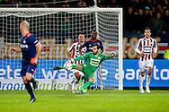 21-11-2015 VOETBAL:WILLEM II-PSV:TILBURG<br /> Kostas Lamprou van Willem II met de spelhervatting<br /> <br /> Foto: Geert van Erven