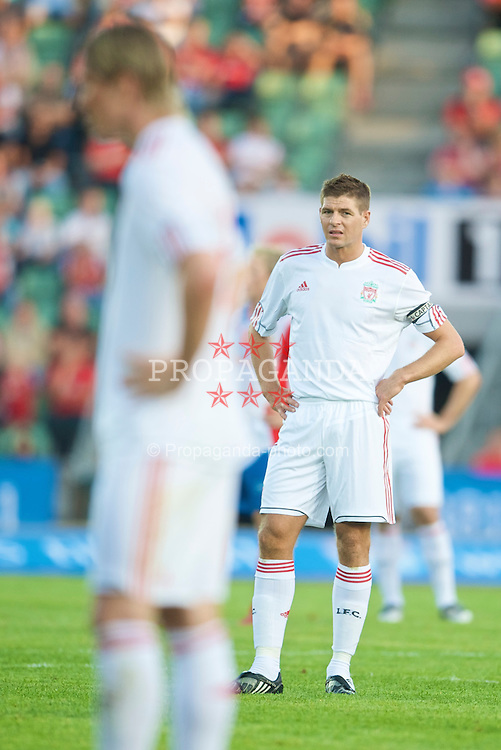 OSLO, NORWAY - Wednesday, August 5, 2009: Liverpool's captain Steven Gerrard MBE and Fernando Torres in action against FC Lyn Oslo during a preseason match at the Bislett Stadion. (Pic by David Rawcliffe/Propaganda)