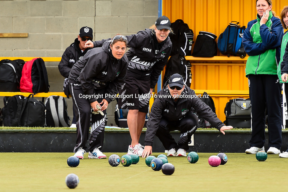 (l to R) Angela Boyd, Katelyn Inch and Kirsten Edwards all part of the NZL womens Four during the World Bowls Championships, Christchurch, New Zealand, 1st December 2016. © Copyright Photo: John Davidson / www.photosport.nz