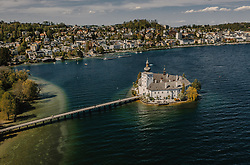 THEMENBILD - das Seeschloss Ort mit dem Traunsee und der Stadt, aufgenommen am 24. April 2019 in Gmunden, Oesterreich // the Seeschloss Ort with the Traunsee and the city in Gmunden, Austria on 2019/04/24. EXPA Pictures © 2019, PhotoCredit: EXPA/ JFK