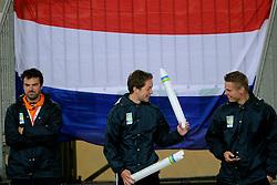 03-06-2012 VOLLEYBAL: EK BEACHVOLLEYBAL FINAL: SCHEVENINGEN<br /> Oranje support toeschouwers publiek<br /> ©2012-FotoHoogendoorn.nl