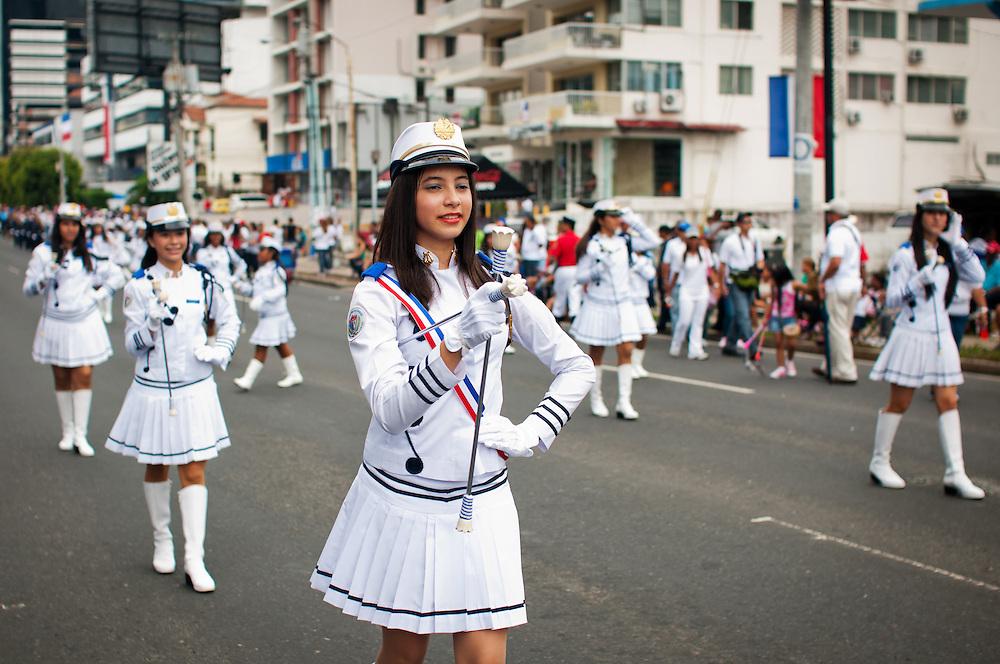 FIESTAS PATRIAS - PANAMA 2011<br /> Noviembre, mes de la patria de Panam&aacute;. Todo inicia el 3 de noviembre de 1903, en este d&iacute;a se celebra la separaci&oacute;n de Panam&aacute; de Colombia, seguidamente el 4 de noviembre, los paname&ntilde;os celebran el d&iacute;a de la Bandera; el 5 de noviembres de 1903 se siguen luciendo las calles y avenidas de Panam&aacute; y la provincia de Col&oacute;n con la reafirmaci&oacute;n de la separaci&oacute;n de Panam&aacute; de Colombia; el 10 de noviembre en 1821 se dio el Grito de Independencia de la Villa de Los Santos y el 28 de noviembre de 1821, se da la independencia de Espa&ntilde;a.<br /> Noviembre, un mes donde se conmemoran d&iacute;as de mucha historia para la Rep&uacute;blica de Panam&aacute;. Es en este mes donde la historia, los valores, las tradiciones y las costumbres folkl&oacute;ricas del pa&iacute;s toman un verdadero realce a nivel nacional. En grandes masas se acercan miles de paname&ntilde;os y extranjeros d&aacute;ndose cita a las avenidas de la ciudad de Panam&aacute; y en las provincias dispuestos a disfrutar de los desfiles patrios preparados por las distintos colegios y por distintas asociaciones de la ciudad de Panam&aacute;. <br /> <br /> Photography by Aaron Sosa<br /> Ciudad de Panam&aacute; - Panam&aacute; 04-11-2011