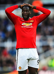 Romelu Lukaku of Manchester United looks dejected - Mandatory by-line: Matt McNulty/JMP - 11/02/2018 - FOOTBALL - St James Park - Newcastle upon Tyne, England - Newcastle United v Manchester United - Premier League