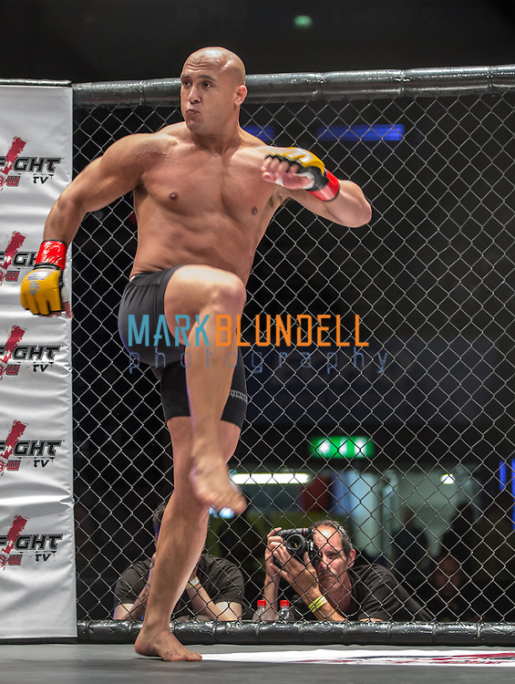 Scott Mitchell vs. Danny Dutch