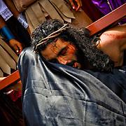 THE VIA CRUCIS OF JESUS  / EL VIACRUCIS DE JESUS.<br /> Photography by Aaron Sosa.<br /> Carrizal, Miranda State - Venezuela 2010.<br /> (Copyright &copy; Aaron Sosa)