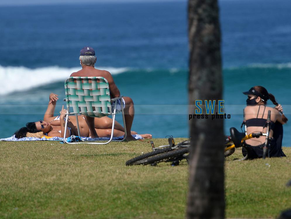 Rio de Janeiro-Brazil, May 17, 2020, the population of Rio de Janeiro even in quarantine and its prohibitions, enjoy the sunny Sunday at Barra da Tijuca beach