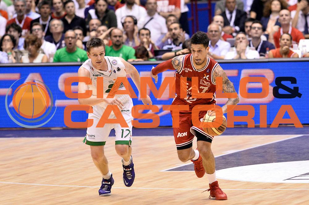 DESCRIZIONE : Campionato 2013/14 Finale Gara 7 Olimpia EA7 Emporio Armani Milano - Montepaschi Mens Sana Siena Scudetto<br /> GIOCATORE : Daniel Hackett<br /> CATEGORIA : Palleggio Contropiede<br /> SQUADRA : Olimpia EA7 Emporio Armani Milano<br /> EVENTO : LegaBasket Serie A Beko Playoff 2013/2014<br /> GARA : Olimpia EA7 Emporio Armani Milano - Montepaschi Mens Sana Siena<br /> DATA : 27/06/2014<br /> SPORT : Pallacanestro <br /> AUTORE : Agenzia Ciamillo-Castoria /GiulioCiamillo<br /> Galleria : LegaBasket Serie A Beko Playoff 2013/2014<br /> FOTONOTIZIA : Campionato 2013/14 Finale GARA 7 Olimpia EA7 Emporio Armani Milano - Montepaschi Mens Sana Siena<br /> Predefinita :