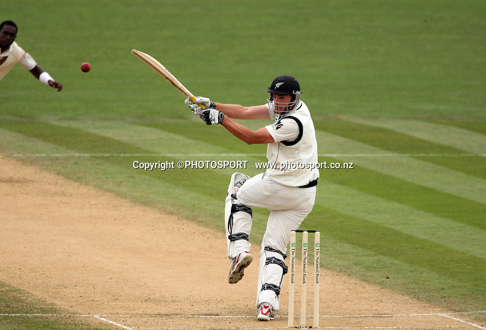 Kyle Mills plays a hook shot during play on day 3 of the second cricket test at McLean Park in Napier. National Bank Test Series, New Zealand v West Indies, Sunday 21 December 2008. Photo: Andrew Cornaga/PHOTOSPORT