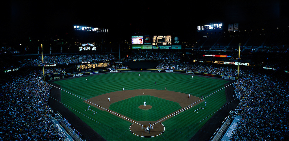 USA, Washington, Seattle, Seattle Mariners play major league baseball game at Safeco Field on summer night against Texas Rangers