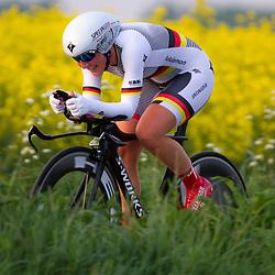 CYCLING 's-Heerenhoek: De eerste tijdrit voor vrouwen in het kader van de tijdritcompetitie werd verreden voorafgaand aan de omloop van Borsele. Lisa Brennauer