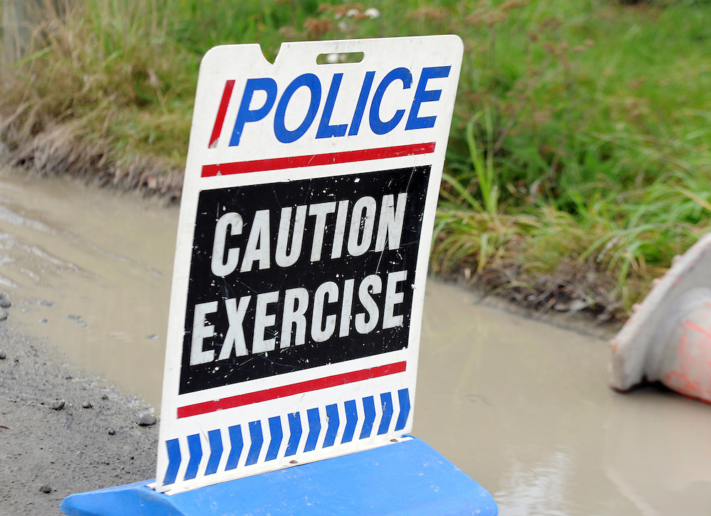 Police exercise, Avondale, Christchurch, New Zealand, Friday, June 14, 2013. Credit:SNPA / Ross Setford