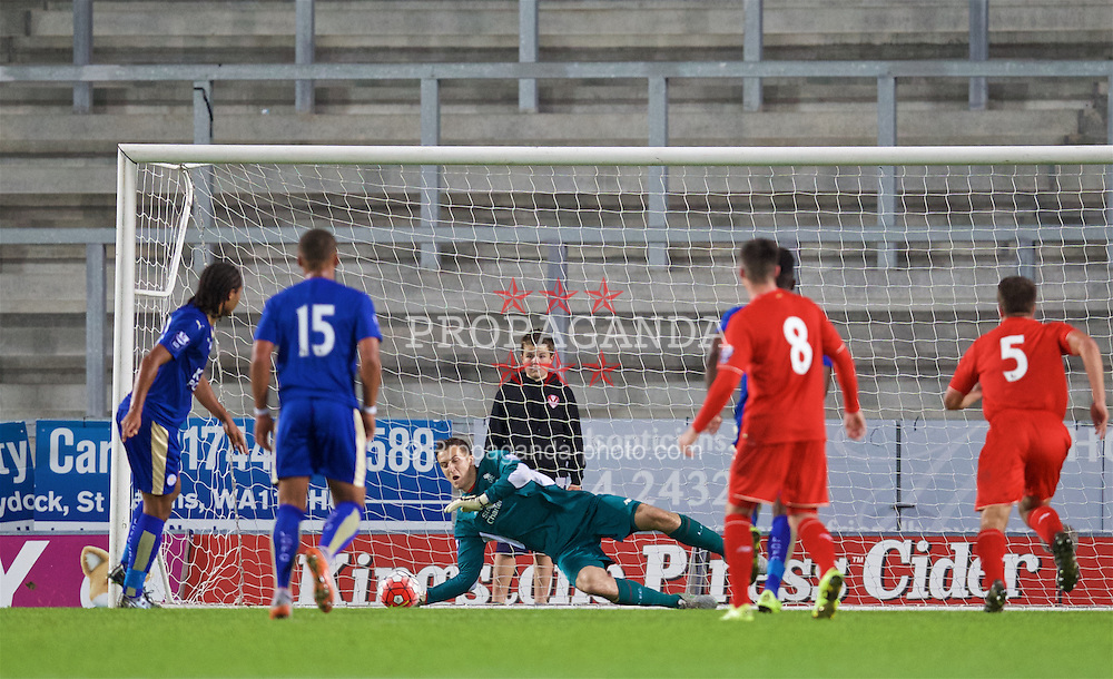 ST HELENS, ENGLAND - Monday, September 28, 2015: Liverpool's goalkeeper Ryan Fulton saves a penalty fromLeicester City's Harry Panayiotou during the Under 21 FA Premier League match at Langtree Park. (Pic by David Rawcliffe/Propaganda)