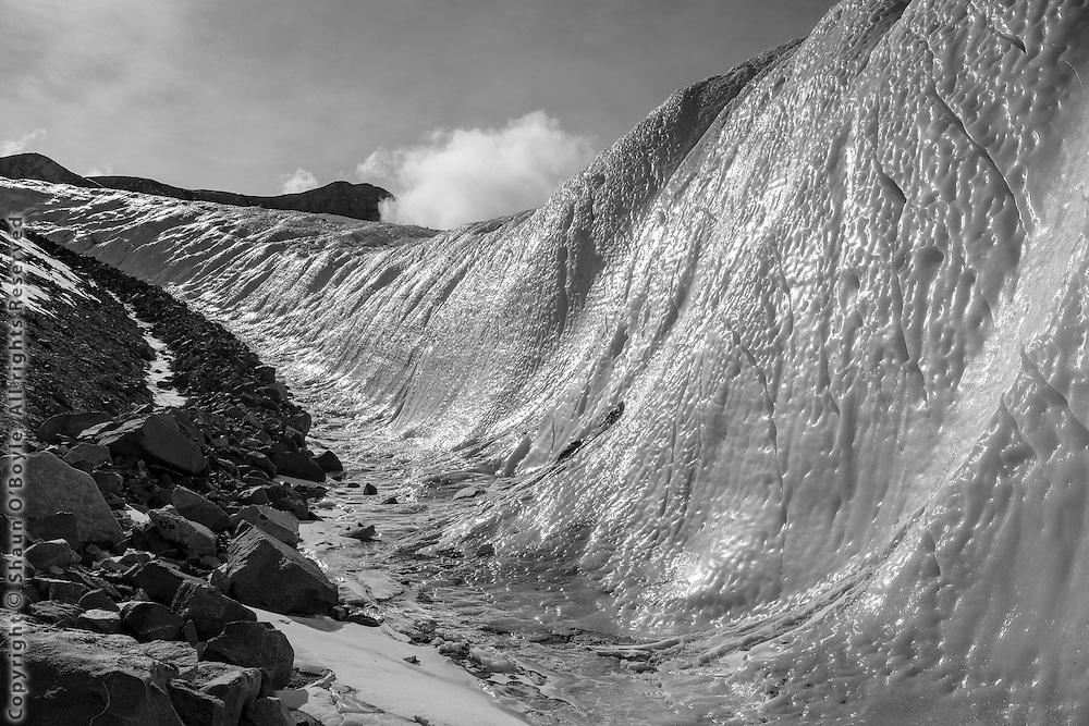 Lateral moraine of the Canada Glacier