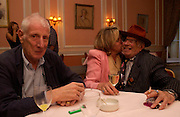 Jonathan Miller, Carinthia West and George Melly. Book launch of Take A Girl Like Me - Life With George by Diana Melly. The Polish Club. Exhibition Rd. London. 21 July 2005. ONE TIME USE ONLY - DO NOT ARCHIVE  © Copyright Photograph by Dafydd Jones 66 Stockwell Park Rd. London SW9 0DA Tel 020 7733 0108 www.dafjones.com