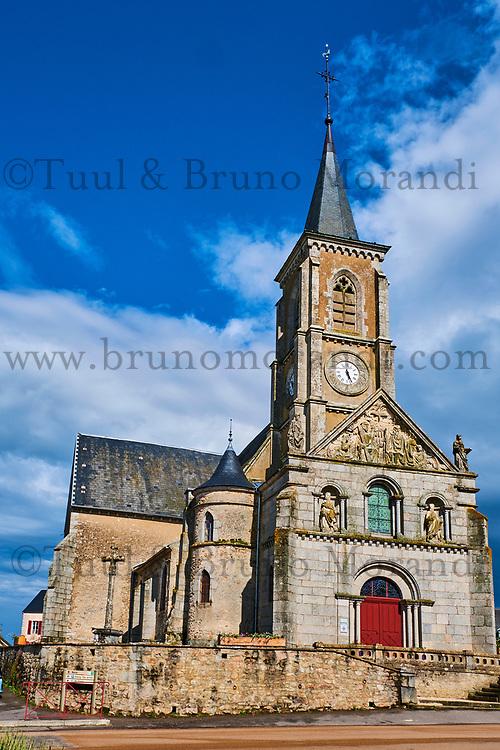 France, Yonne (89), parc naturel régional du Morvan, Quarré-les-Tombes,  l'église // France, Yonne (89), Morvan park, Quarré-les-Tombes,  the church