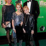 NLD/Scheveningen/20111106 - Premiere musical Wicked, Erik de Zwart, partner Marika en kinderen Merel en Jasmijn