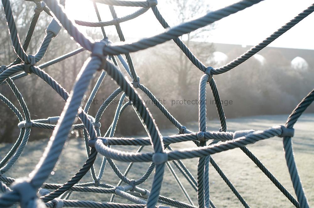 Cold climbing frame