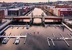 THEMENBILD - Kajakfahrer mit ihren Booten am Kanalhafen der Stadt, aufgenommen am 14. Maerz 2019 in Trondheim, Norwegen // Kayakers with their boats at the canal port of the city, Trondheim, Norway on 2018/03/14. EXPA Pictures © 2019, PhotoCredit: EXPA/ JFK