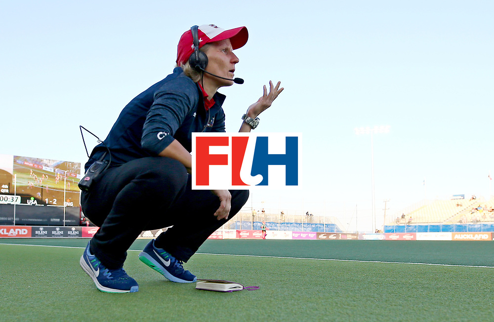 New Zealand, Auckland - 23/11/17  <br /> Sentinel Homes Women&rsquo;s Hockey World League Final<br /> Harbour Hockey Stadium<br /> Copyrigth: Worldsportpics, Rodrigo Jaramillo<br /> Match ID: 10305 - USA vs ENG<br /> Photo: (Head coach)SCHOPMAN Janneke