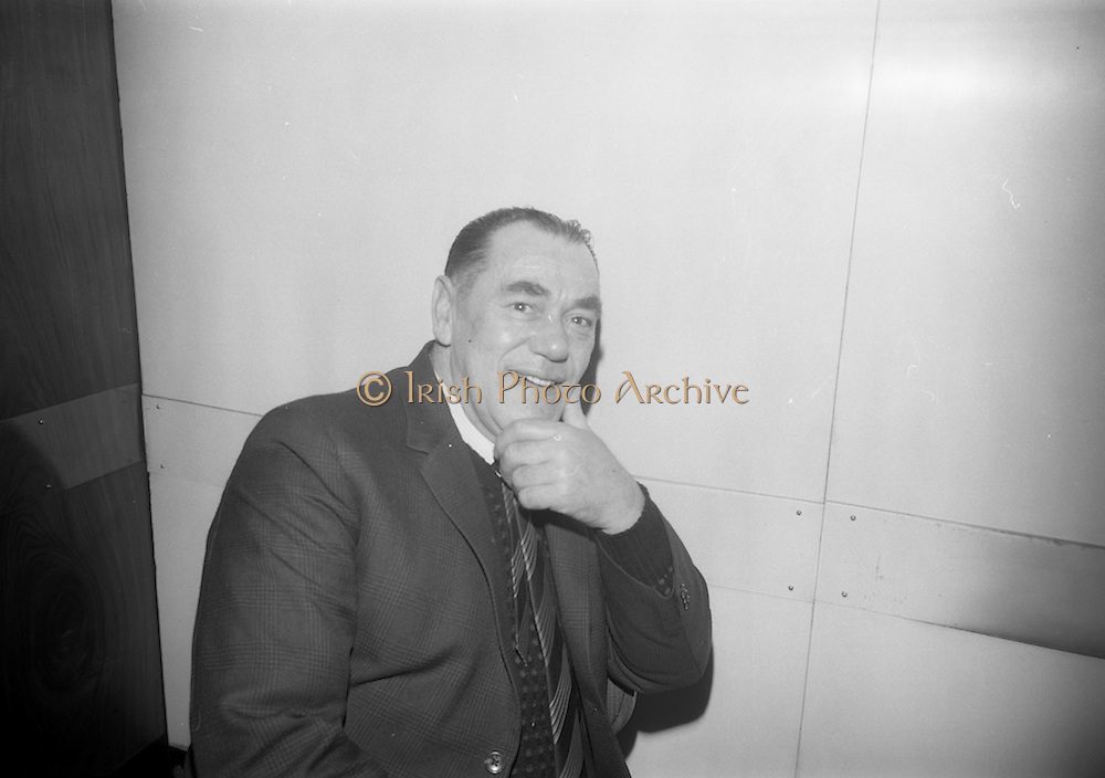 21/12/1965<br /> 12/21/1965<br /> 21 December 1965<br /> <br /> Castro Annual Lunch at Intercontinental Hotel<br /> <br /> Mr. Jimmy Keely (Service Department Foreman 31 years of service)