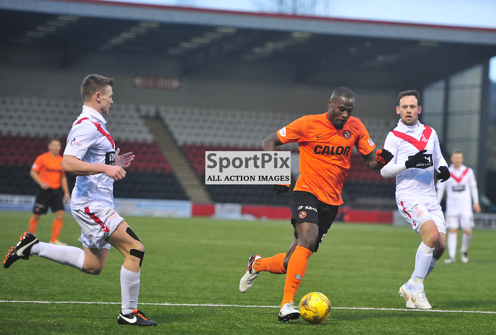 Guy Demel of United pushes his team forward against Airdrie......(c) BILLY WHITE | SportPix.org.uk