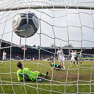 NIJMEGEN, NEC - Heracles Almelo, voetbal, Eredivisie seizoen 2015-2016, 06-03-2016, Stadion de Goffert, NEC speler Christian Santos (M) scoort de 1-0, Heracles Almelo keeper Bram Castro (2L) is kansloos.