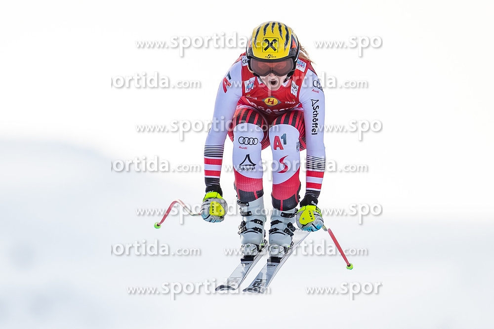 11.01.2020, Keelberloch Rennstrecke, Altenmark, AUT, FIS Weltcup Ski Alpin, Abfahrt, Damen, im Bild Nina Ortlieb (AUT) // Nina Ortlieb of Austria in action during her run for the women's Downhill of FIS ski alpine world cup at the Keelberloch Rennstrecke in Altenmark, Austria on 2020/01/11. EXPA Pictures © 2020, PhotoCredit: EXPA/ Johann Groder