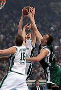 DESCRIZIONE : Atene Eurolega 2008-09 Quarti di Finale Gara 2 Panathinaikos Montepaschi Siena<br /> GIOCATORE : Rimantas Kaukenas<br /> SQUADRA : Montepaschi Siena<br /> EVENTO : Eurolega 2008-2009<br /> GARA : Panathinaikos Montepaschi Siena<br /> DATA : 26/03/2009<br /> CATEGORIA : palleggio<br /> SPORT : Pallacanestro<br /> AUTORE : Agenzia Ciamillo-Castoria/Action Images.gr