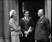 The summer conferring of degrees took place at University College, Dublin. Picture shows Mr. John Hyde and his parents..22.07.1969