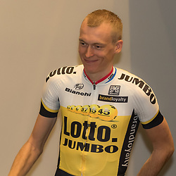 08-01-2016: Wielrennen: Presentatie Lotto Jumbo: Den Bosch<br /> 's-HERTOGENBOSCH (NED) wielrennen<br /> Team Lotto-Jumbo werd gepresenteerd op het HQ van Brand Loyalty<br /> Robert Gesink