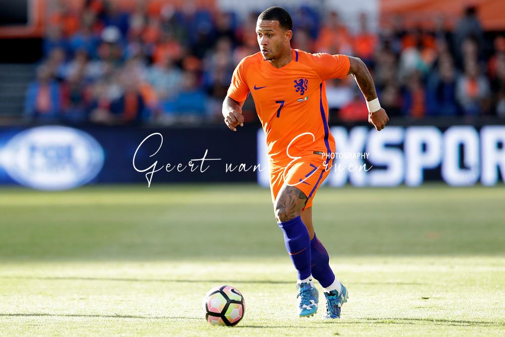 04-06-2017 VOETBAL:NEDERLAND-IVOORKUST:ROTTERDAM<br /> Oranje oefende tegen Ivoorkust vanavond in De Kuip<br /> <br /> Memphis Depay van Oranje (Olympic Lyon) <br /> <br /> Foto: Geert van Erven