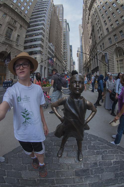 Max and Defiant Girl, Wall Street, Manhattan, New York, US