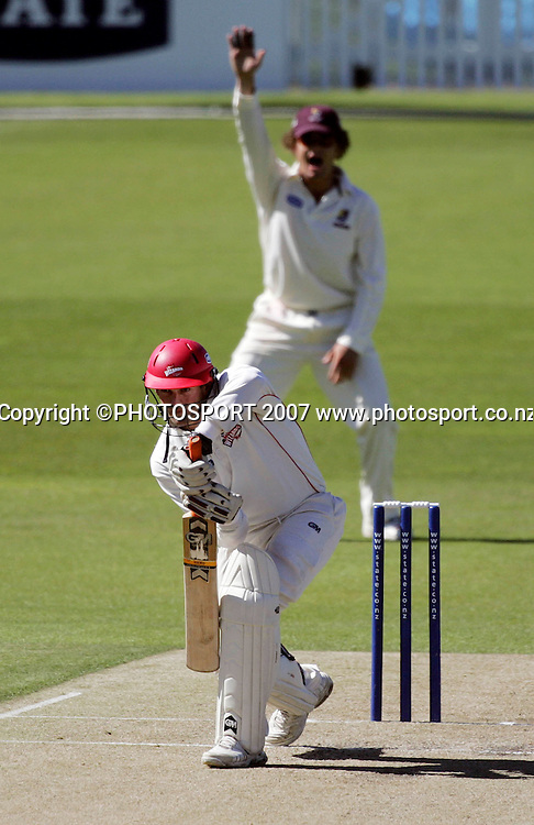 Canterbury's Andrew Ellis holds his ground while Northern District's James Marshall appeals unsuccessfully during the State Championship Cricket Final between Northern Districts and Canterbury at Seddon Park, Hamilton, New Zealand on Friday 23 March 2007. Photo: Hagen Hopkins/PHOTOSPORT<br />