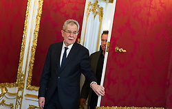 25.03.2017, Präsidentschaftskanzlei, Wien, AUT, Kaliforniens Ex-Gouverneur und Schauspieler Schwarzenegger bei Bundespräsident Van der Bellen zu einem Treffen, im Bild v.l.n.r. Bundespräsident Alexander Van der Bellen und Arnold Schawarzenegger // f.l.t.r. federal president of Austria Alexander Van der Bellen and Arnold Schwarzenegger during meeting between former governor of California Schwarzenegger and federal president of Austria at Federal Presidents Office in Vienna, Austria on 2017/03/25, EXPA Pictures © 2017, PhotoCredit: EXPA/ Michael Gruber