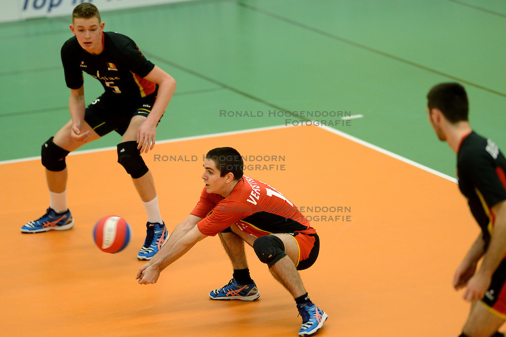 29-12-2014 NED: Eurosped Volleybal Experience Nederland - Belgie -19, Almelo<br /> Nederland verliest met 3-2 van Belgie