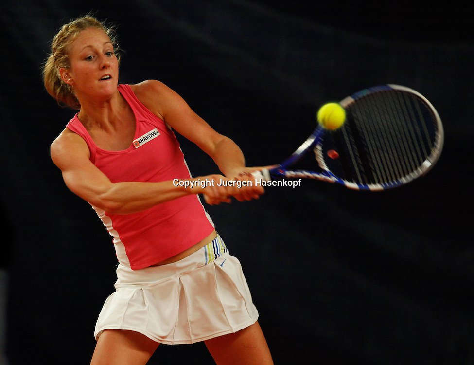 ITF Bueschl  Open 2010, ITF Women's Circuits Damen Hallen Tennis Turnier in Ismaning, Urszula Radwanska (POL)),action