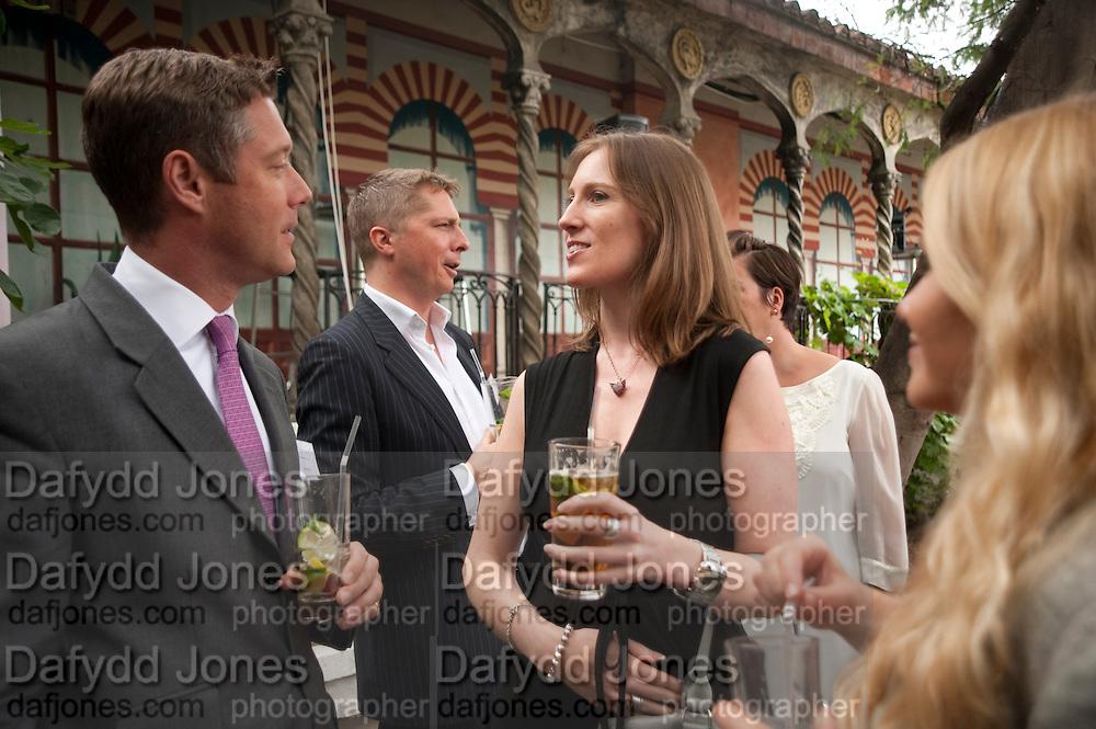 GILES COOK; ROWENA KENNY, Archant Summer party. Kensington Roof Gardens. London. 7 July 2010. -DO NOT ARCHIVE-© Copyright Photograph by Dafydd Jones. 248 Clapham Rd. London SW9 0PZ. Tel 0207 820 0771. www.dafjones.com.