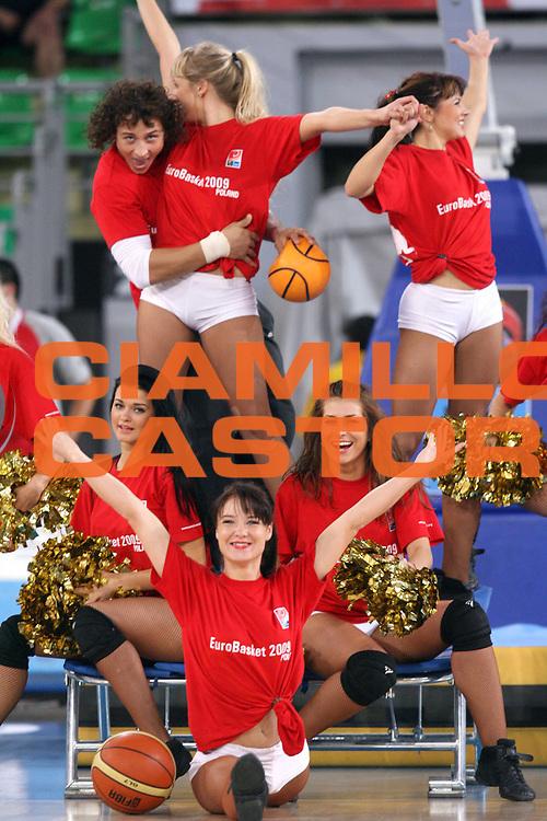 DESCRIZIONE : Bydgoszcz Poland Polonia Eurobasket Men 2009 Qualifying Round Francia France Grecia Greece<br /> GIOCATORE : Cheerleaders<br /> SQUADRA : <br /> EVENTO : Eurobasket Men 2009<br /> GARA : Francia France Grecia Greece<br /> DATA : 15/09/2009 <br /> CATEGORIA :<br /> SPORT : Pallacanestro <br /> AUTORE : Agenzia Ciamillo-Castoria/A.Vlachos<br /> Galleria : Eurobasket Men 2009 <br /> Fotonotizia : Bydgoszcz Poland Polonia Eurobasket Men 2009 Qualifying Round Francia France Grecia Greece<br /> Predefinita :