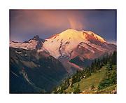 Sunrise on Mount Rainier 14,411ft (4,392m) from Yakima Park, Mount Rainier National Park Washington USA