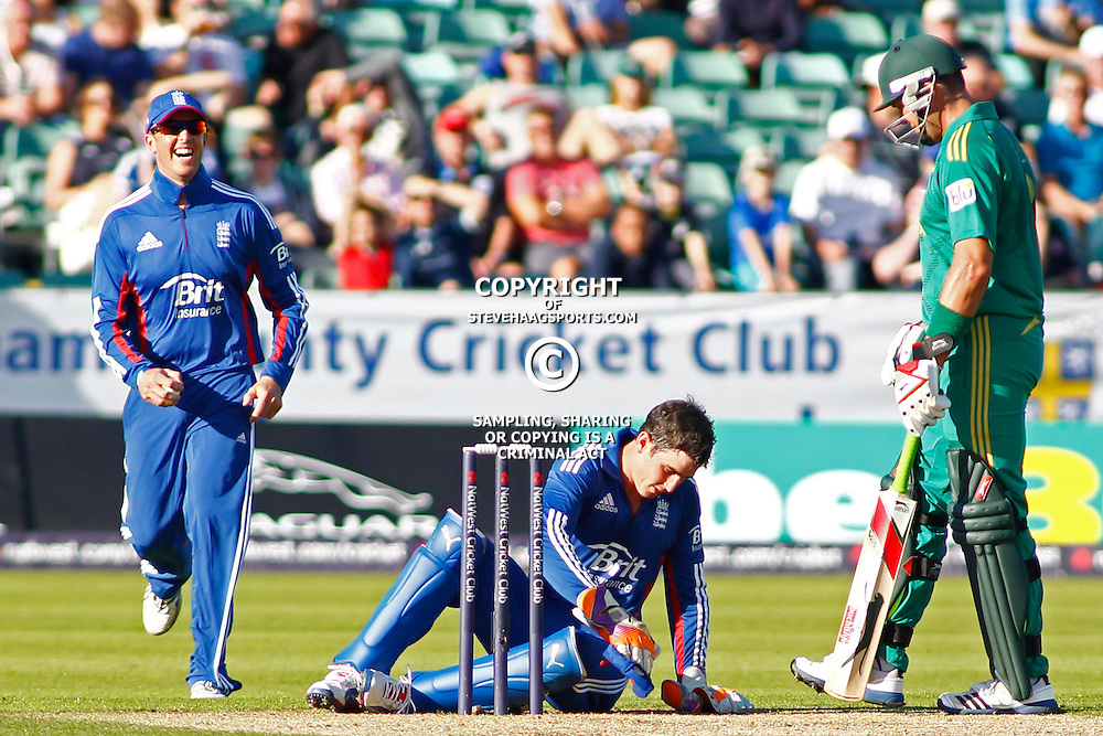 08/09/2012 Durham, England. Craig Kieswetter sits on the floor after being hit during the 1st Nat West t20 cricket match between  England and South Africa and played at Emirate Riverside Cricket Ground: Mandatory credit: Mitchell Gunn