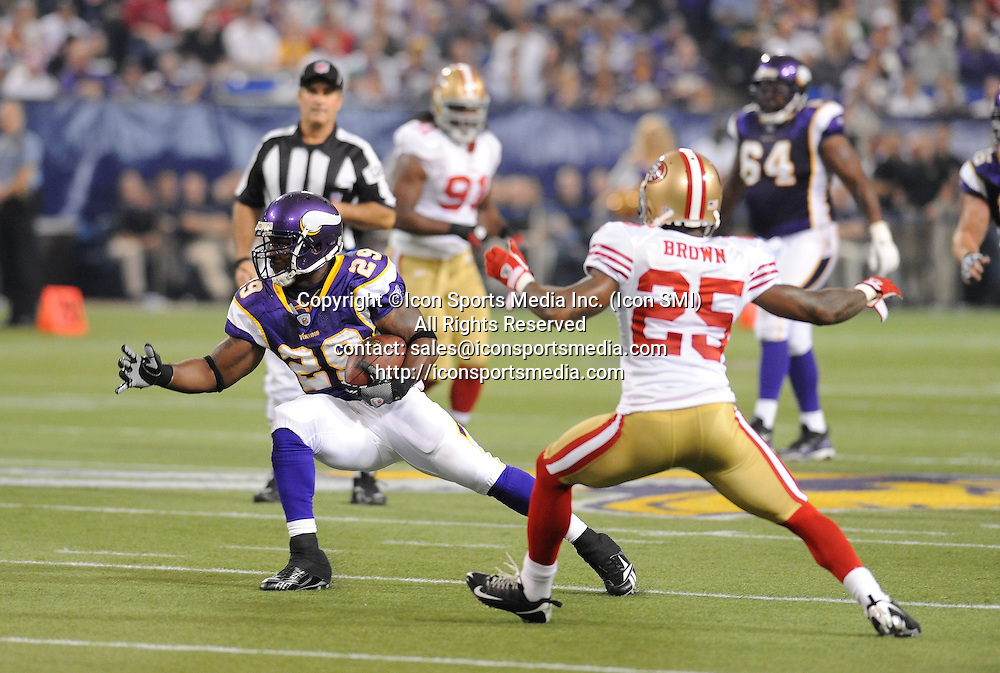 Minnesota Vikings running back Chester Taylor #29 avoids San Francisco 49ers cornerback Tarell Brown #25 during the Vikings 27-24 victory over the San Francisco 49ers at the Metrodome in Minneapolis, MN on September 27, 2009.
