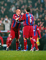 Fotball<br /> Premier League England 2004/2005<br /> Foto: Colorsport/Digitalsport<br /> NORWAY ONLY<br /> <br /> 06.11.2004<br /> Aki Riihilahti (Palace goalscorer) celebrates at the end of the match with Tony Popovic<br /> <br /> Crystal Palace v Arsenal
