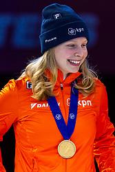 13-01-2019 NED: ISU European Short Track Championships 2019 day 3, Dordrecht<br /> Tineke den Dulk pose in the Ladies Relay medal ceremony during the ISU European Short Track Speed Skating Championships
