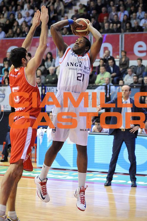 DESCRIZIONE : Biella Lega A 2012-13 Angelico Biella Cimberio Varese<br /> GIOCATORE : Craig Brackins<br /> CATEGORIA : Tiro<br /> SQUADRA : Angelico Biella <br /> EVENTO : Campionato Lega A 2012-2013 <br /> GARA : Angelico Biella Cimberio Varese<br /> DATA : 11/11/2012<br /> SPORT : Pallacanestro <br /> AUTORE : Agenzia Ciamillo-Castoria/M.Ceretti<br /> Galleria : Lega Basket A 2012-2013  <br /> Fotonotizia : Biella Lega A 2012-13 Angelico Biella Cimberio Varese<br /> Predefinita :