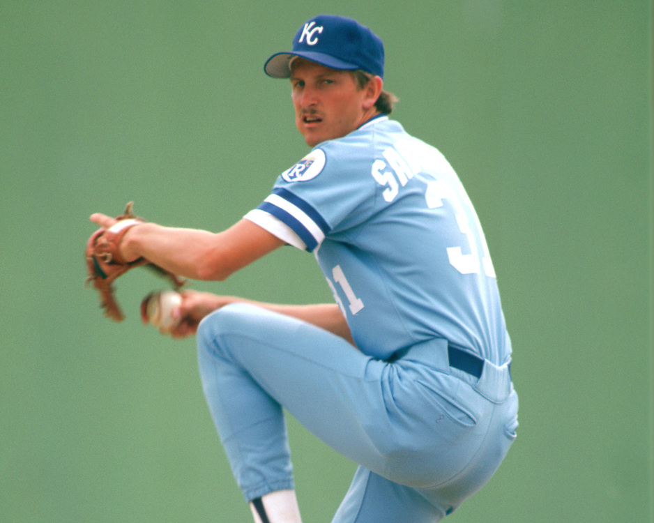 SARASOTA, FLORIDA - 1986:  Bret Saberhagen of the Kansas City Royals pitches during a major league baseball spring training game at Payne Park in Sarasota, Florida prior to the 1986 season.  (Photo by Ron Vesely).  Subject:   Bret Saberhagen