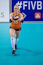 26-05-2017 NED: Nederland - Italie, Apeldoorn<br /> Kick off voor het Nederlands vrouwenteam begon met een oefenwedstrijd in Apeldoorn. Italië werd met 3-1 verslagen / Marrit Jasper #18