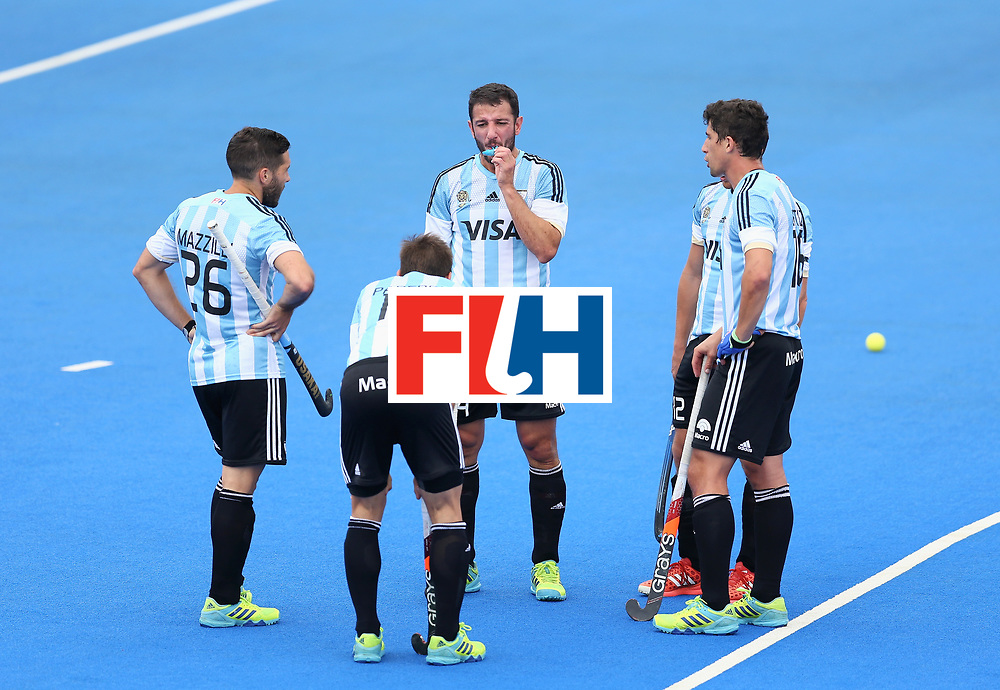 LONDON, ENGLAND - JUNE 24: Manuel Brunet of Argentina removes his mouth guard prior to a penalty corner during the semi-final match between Argentina and Malaysia on day eight of the Hero Hockey World League Semi-Final at Lee Valley Hockey and Tennis Centre on June 24, 2017 in London, England. (Photo by Steve Bardens/Getty Images)