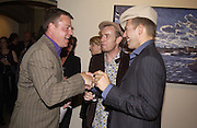 Suggs, Ewan MacGregor, Paul Simonon. Paul Simonon exhibition at Hazlitt Gooden and Fox Gallery and afterwards at the Ivy. 24 September 2002 © Copyright Photograph by Dafydd Jones 66 Stockwell Park Rd. London SW9 0DA Tel 020 7733 0108 www.dafjones.com