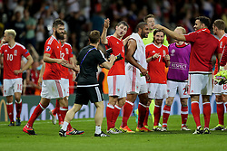TOULOUSE, FRANCE - Monday, June 20, 2016: Wales' Ben Davies calls masseur Chris Senior into the team huddle after the 3-0 victory over Russia and reaching the knock-out stage during the final Group B UEFA Euro 2016 Championship match at Stadium de Toulouse. (Pic by David Rawcliffe/Propaganda)