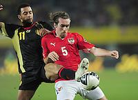 FUSSBALL INTERNATIONAL   EM 2012-Qualifikation   Gruppe A   25.03.2011 Oesterreich - Belgien, Nationalmannschaft  Moussa Demb (BEL links) gegen Christian Fuchs (AUT rechts)